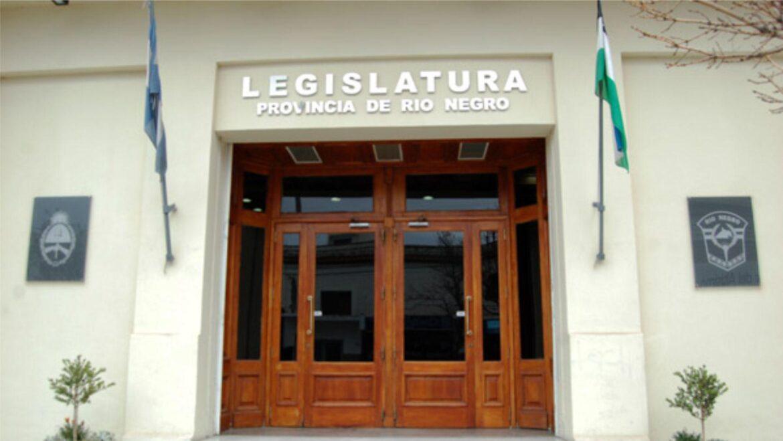 ATE: Arabela Carreras remite a la legislatura la ley acordada con el gremio