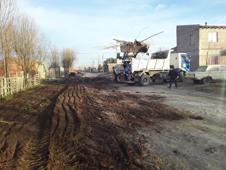 Comenzaron con los operativos de limpieza en Chacramonte