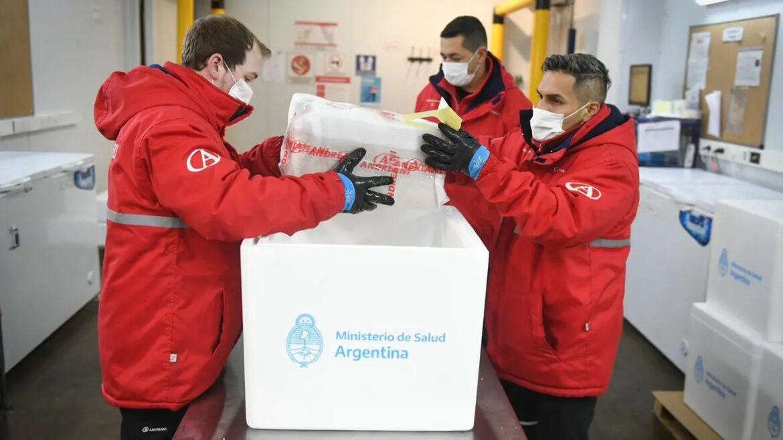 Río Negro recibió más de 15 mil dosis de Moderna para vacunar a adolescentes