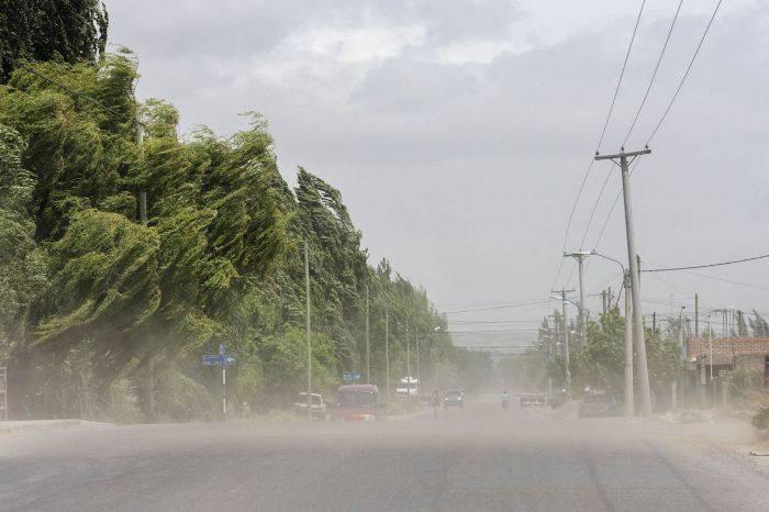 AIC advierte sobre viento fuerte en el Alto Valle y nevadas en la Cordillera