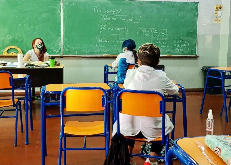 La presencialidad plena en las escuelas de Río Negro comenzará el martes