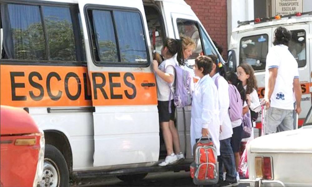 Se quebró al bajar del transporte escolar y la justicia determinó una millonaria compensación