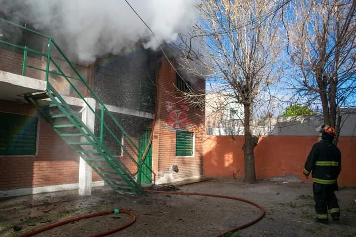 Incendio en un departamento sobre calle Maipú