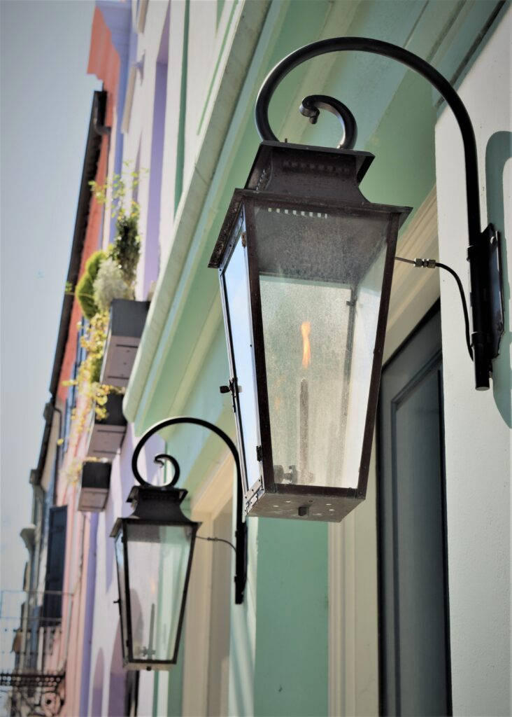 charleston south carolina southern painted lanterns lamps gaslights pastel purple mint green orange peach historic travel