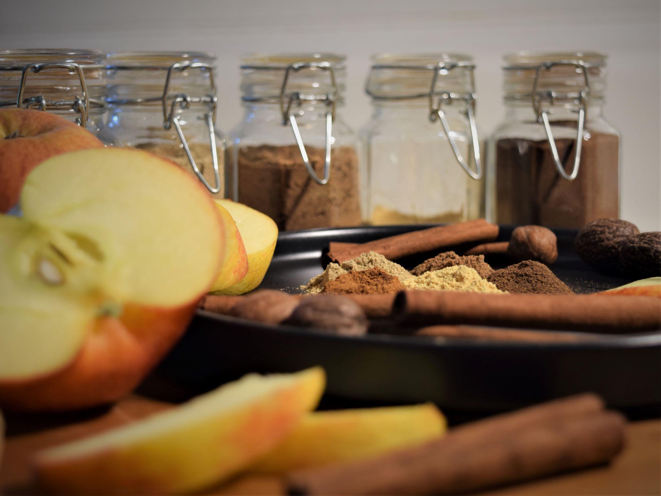 fall spice blend recipes apple pie spice bottle autumn baking dessert spoon warm cozy kitchen nutmeg cinnamon