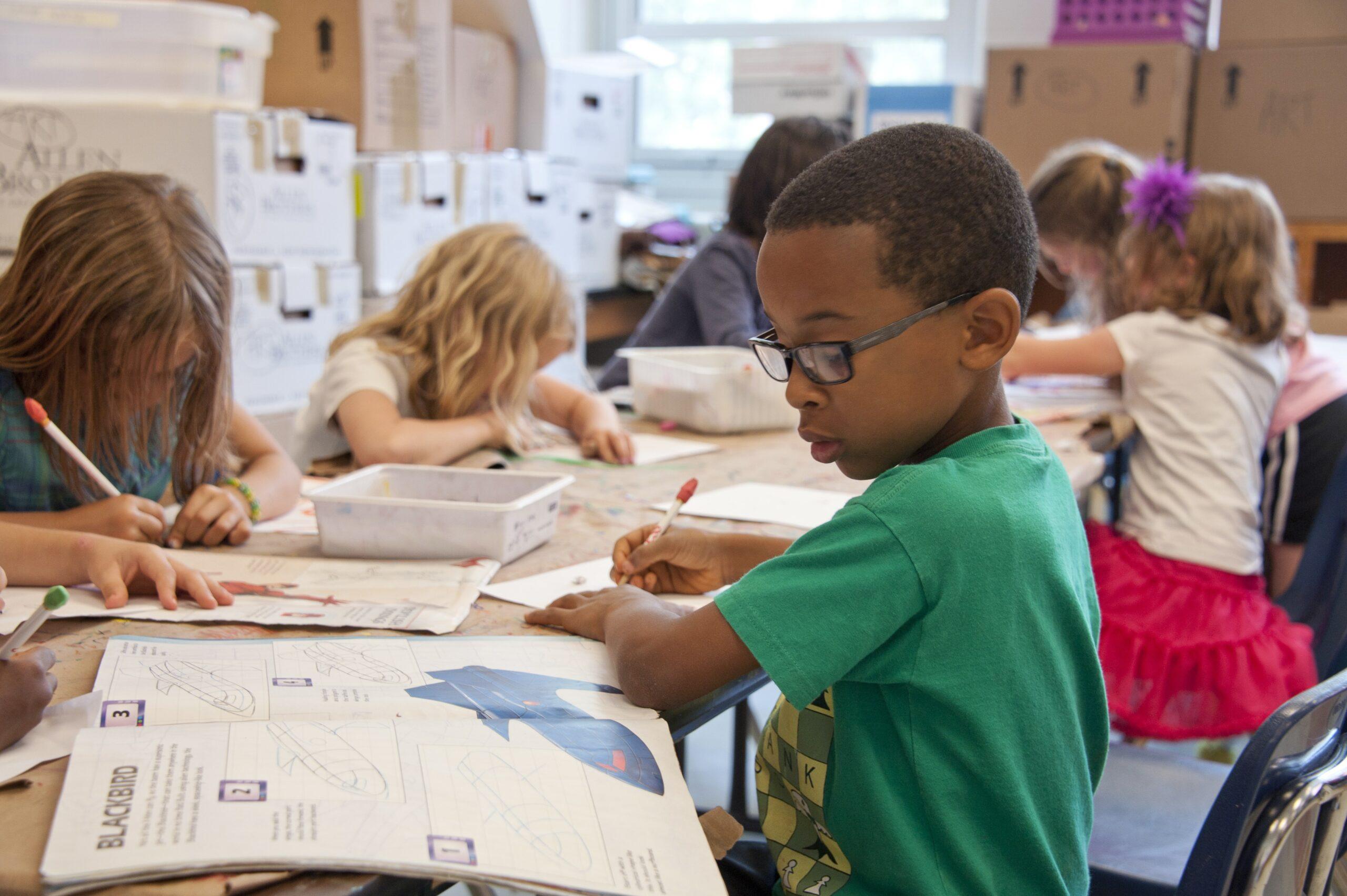 Read more about the article Why Parents Should Raise Bilingual Children