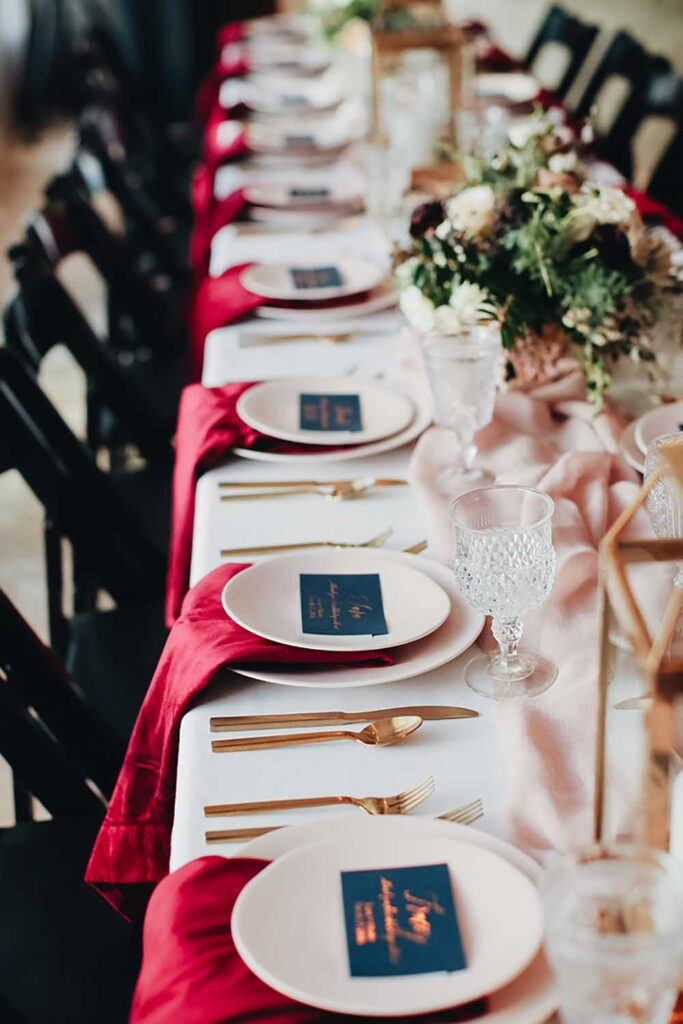 Eddie Zaratsian of Eddie Zaratsian Lifestyle & Events suggests personalized handwritten notes for Thanksgiving gatherings. Photo by Dina Chmut Photography