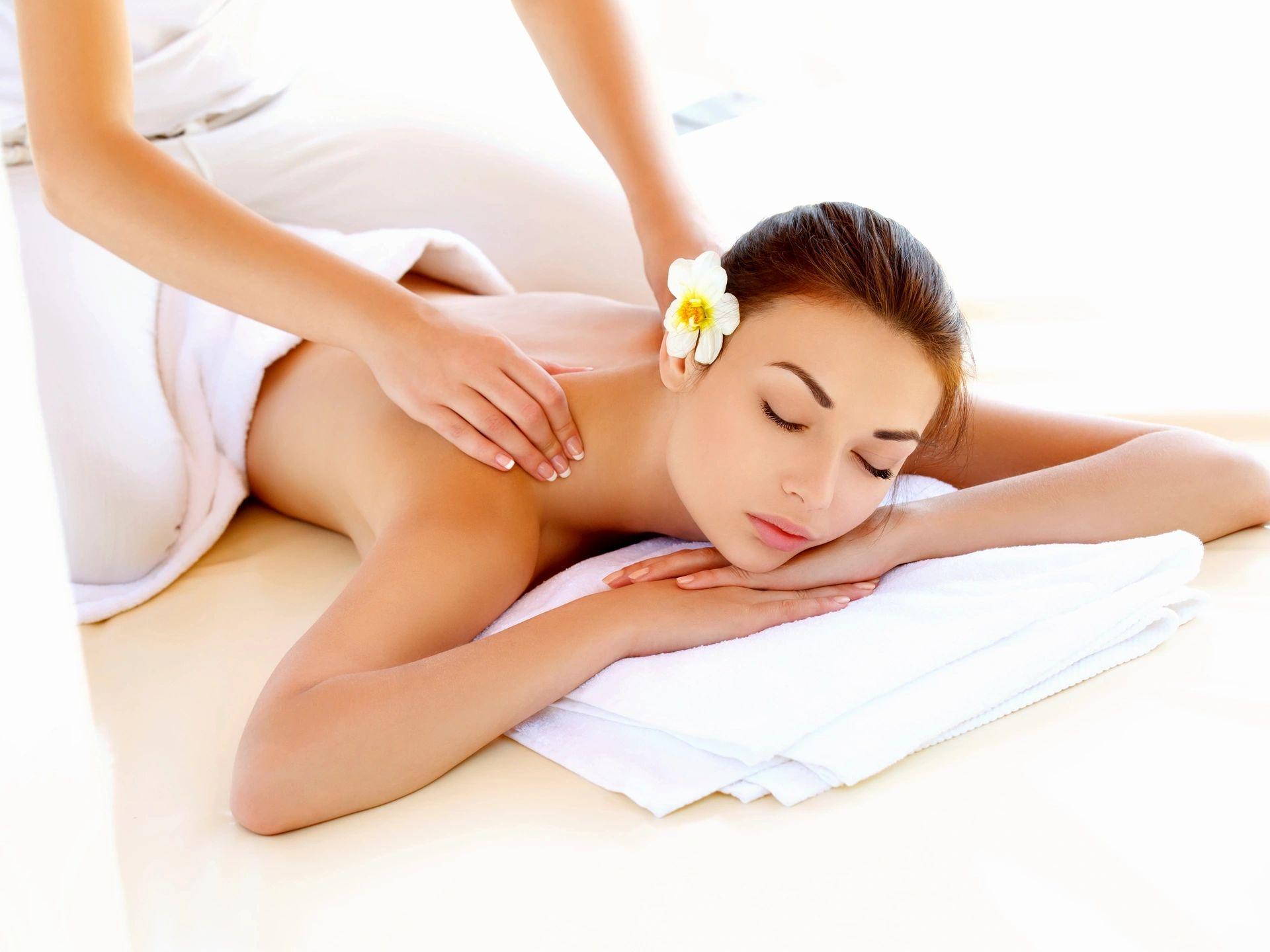 <h2>Acupressure Massage</h2><div class='slide-content'><p><span class='highlight'>Enjoy a relaxing experience of Acupressure Massage.   </span></p><p><span class='highlight'><centre>Acupressure focuses on relieving pain and discomfort by responding to tension in the body; becoming a prevention tool for the disease process.</centre></span></p></div><a href='https://naturalhealthnovascotia.com/acupressure/' class='btn' title='Read more'>Read more</a>