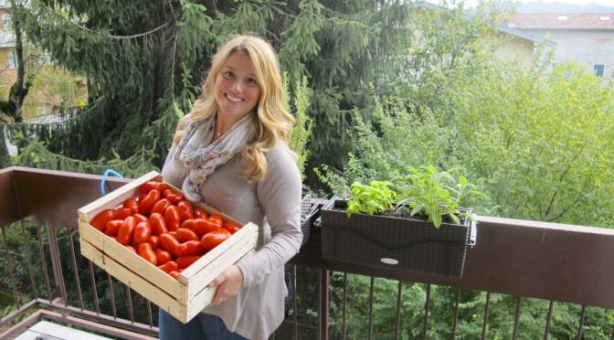 Jen Shows Off Her Tomatoes!