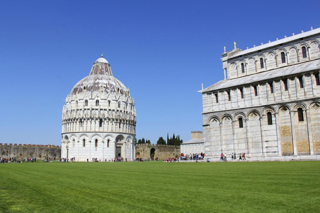 Battistero di San Giovanni (Pisa Baptistry) and Primatial (Pisa Cathedral)