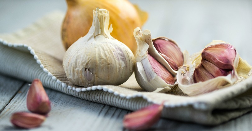 How to Peel an Entire Head of Garlic in Under a Minute!