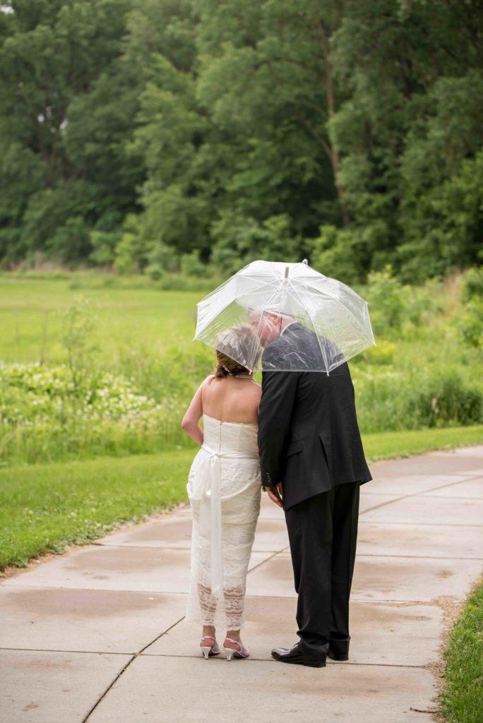 Rainy Wedding - Riverboat Wedding, Magnolia Blossom