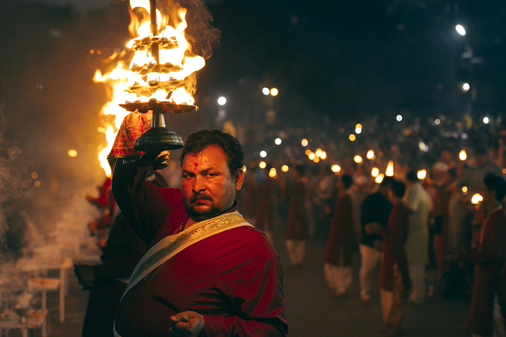 MEIRELLES_FABIO_INDIA-e-NEPAL_20170415_CERIMONIA-AARTI_WEB-h