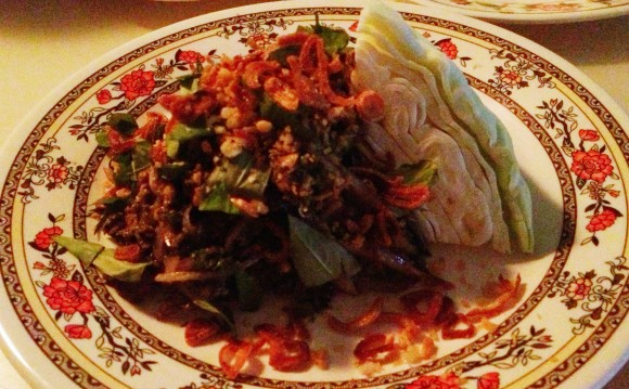 gai laap chiang mai (minced chicken and chicken liver with long peppers)
