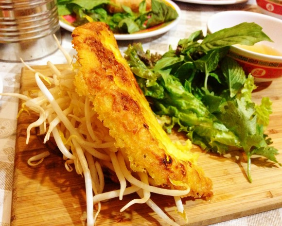 Bunker - traditional banh xeo close up