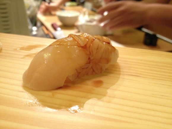 tanoshi - sushi 7 seared scallop