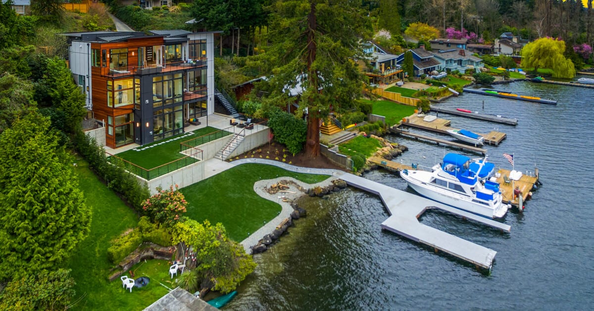 6824 96th Ave SE, Mercer Island – Waterfront Home