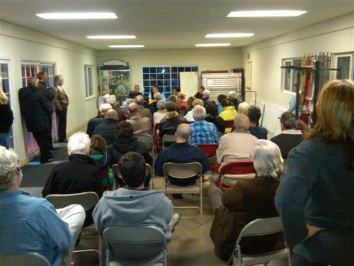 Cabana meeting on the explosion - Neighborhood meeting to discuss explosion: more questions than answers