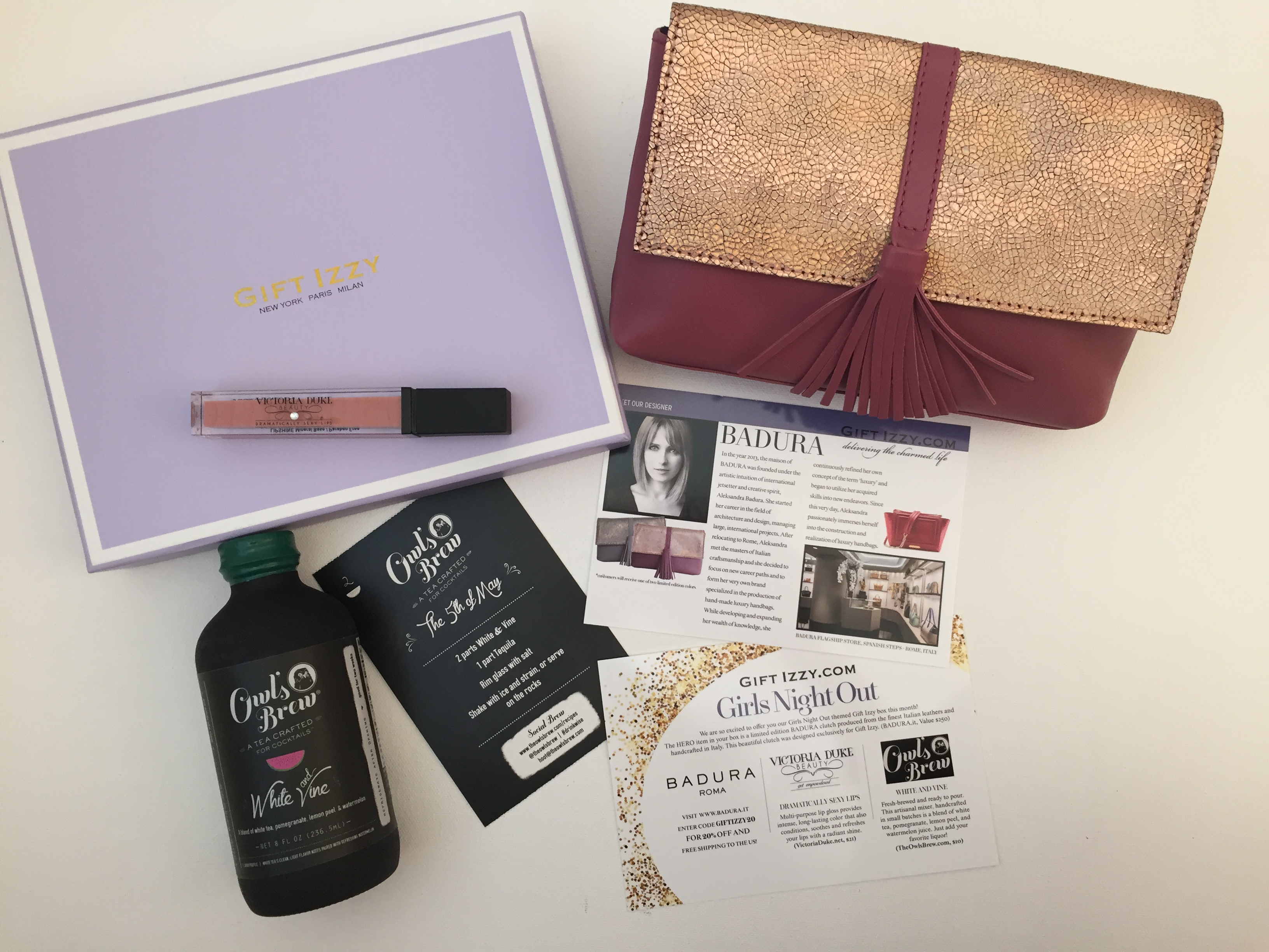What's Inside My Gift Izzy  Box