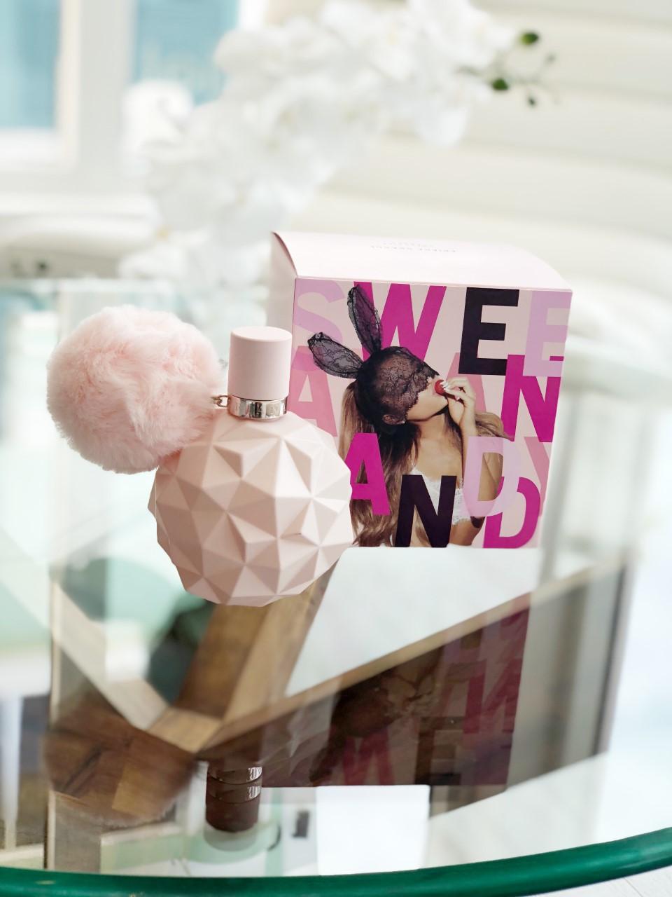 I love Ariana Grande!