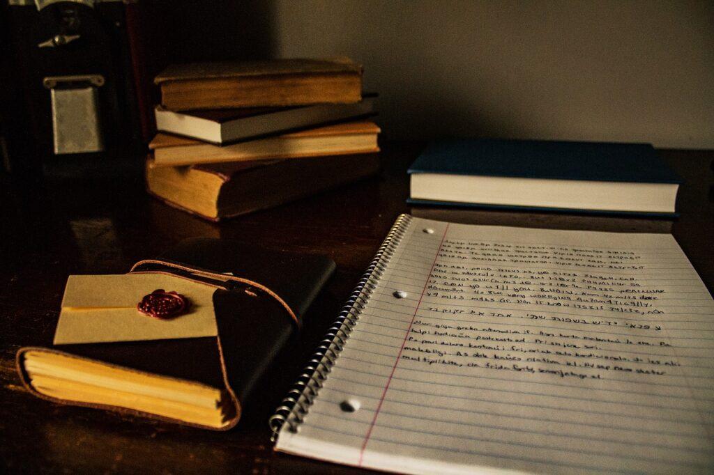 desk, books, writing-2158142.jpg