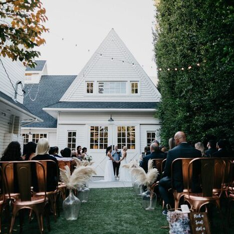 this-modern-rustic-lombardi-house-wedding-is-a-pinterest-dream-with-copper-accents-lindsey-vann-photography-8-700x467-700x467
