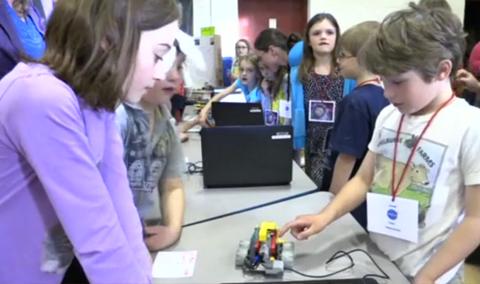 Hyde Park Elementary School: K-2 Science Fair