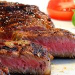 なぜ人間が肉を食べられないのに肉を食べ続けるのか