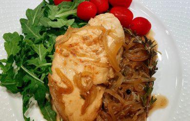 Pollo en Escabeche (Chicken in Pickled Sauce)