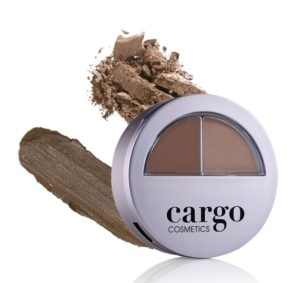 For a long wearing brow powder that fills in, shapes, corrects to emphasize natural arch of the brow with color to blend in to match your brow and stays in place with wax to tame and set. Shop Here Fashionsdigest.com
