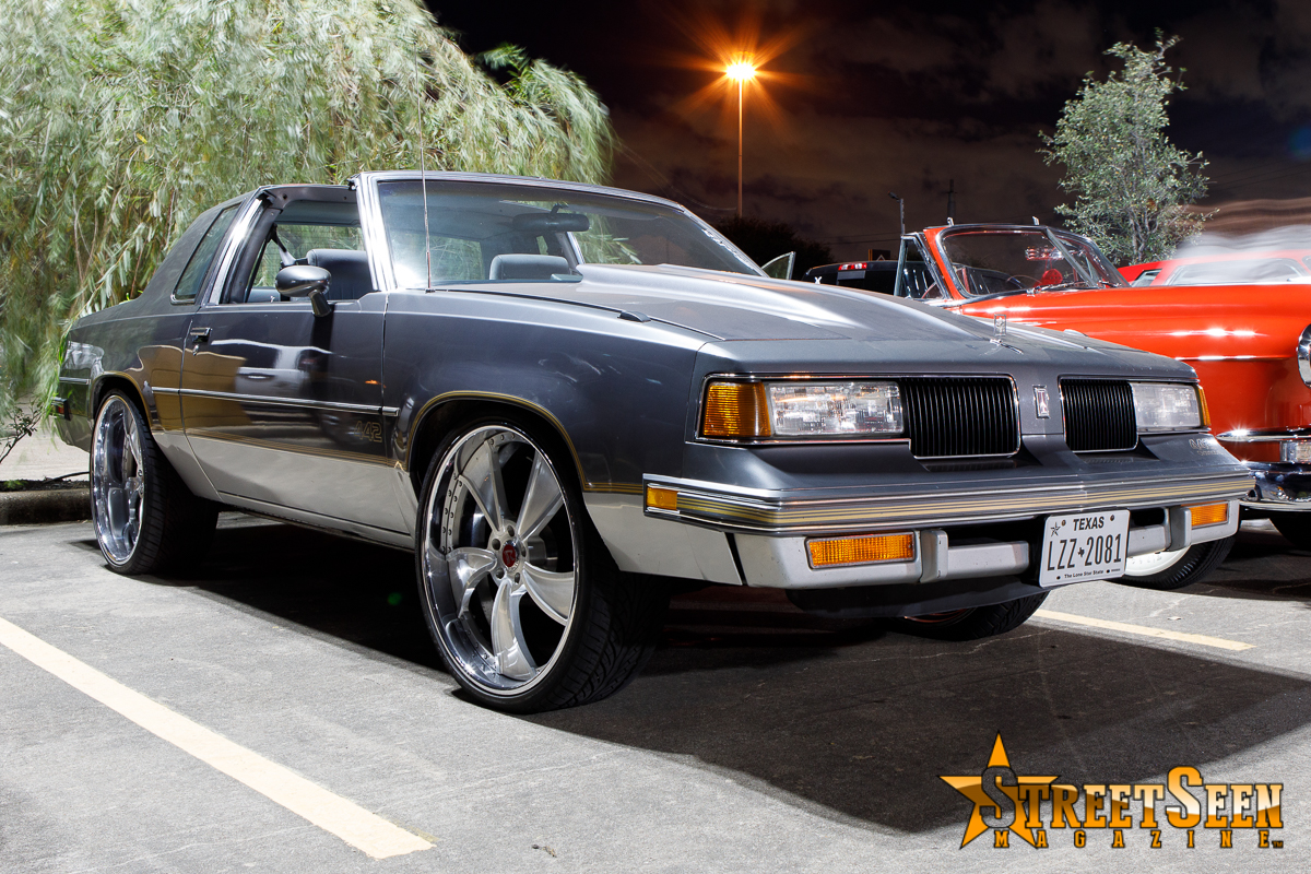 10053_Lowrider_Cruz_Night
