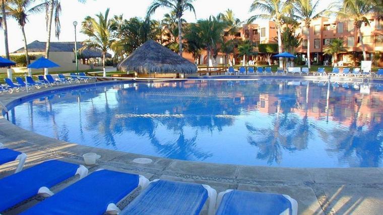 Holiday-Inn-Resort-Los-Cabos-