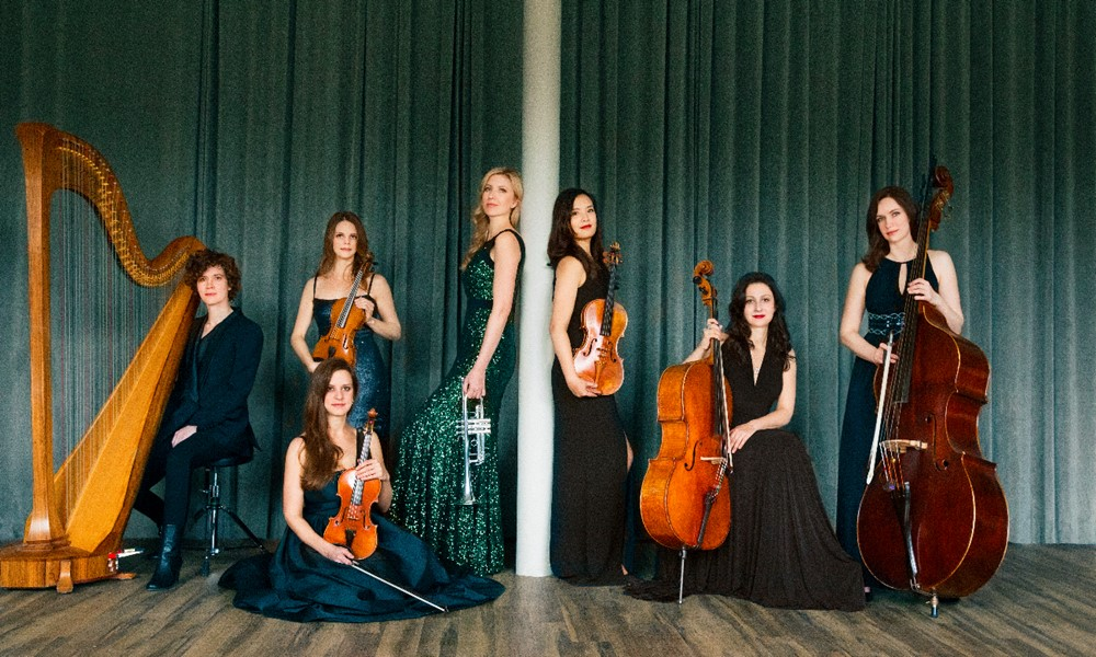 Mary Bowden-Ensemble