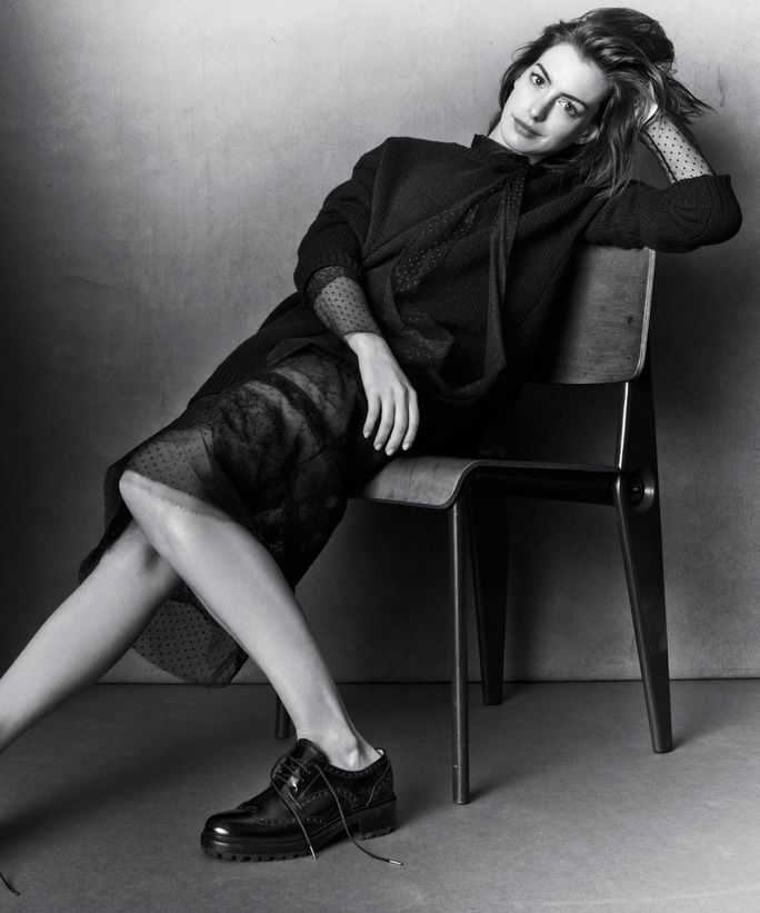 instyle-anne-hathaway-1