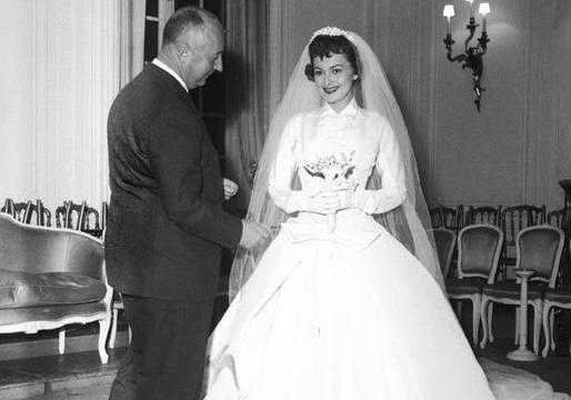 A Bride of Pure Elegance