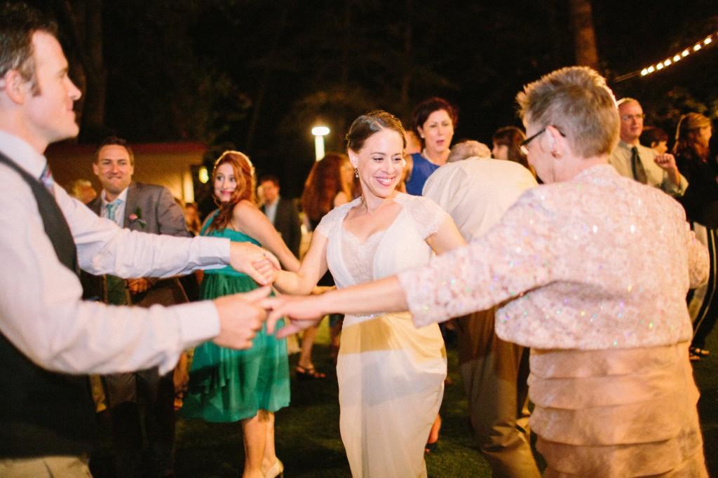 Hora Dance