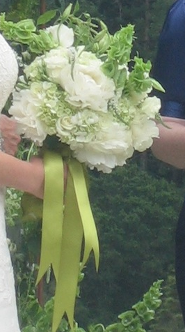 Erica's bouquet cropped
