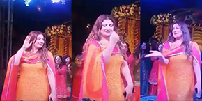 Famous Film and Tv Actress Saima Dancing In a Wedding