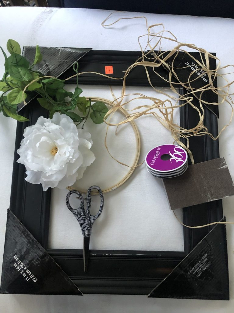 Let's have fun with broken picture frame. Framed wreath ideas for all seasons. Farmhouse wreath