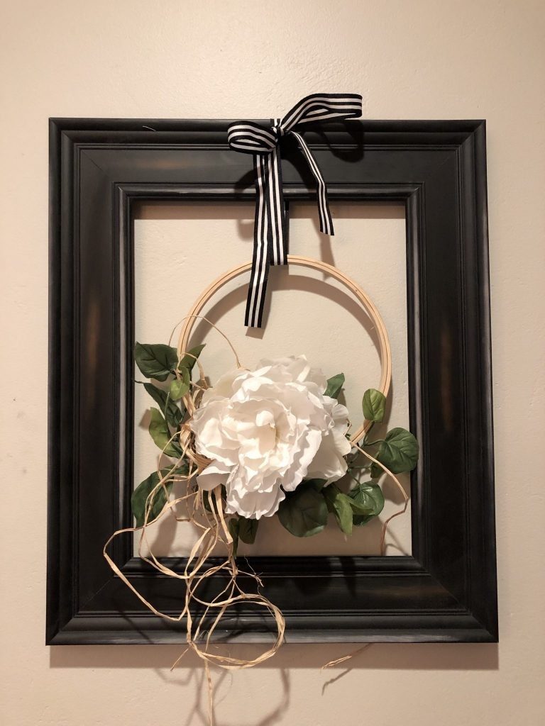 Transform old picture frame to fun and original farmhouse wreath. Framed embroidery hoop evergreen wreath diy, Budget friendly wreath idea