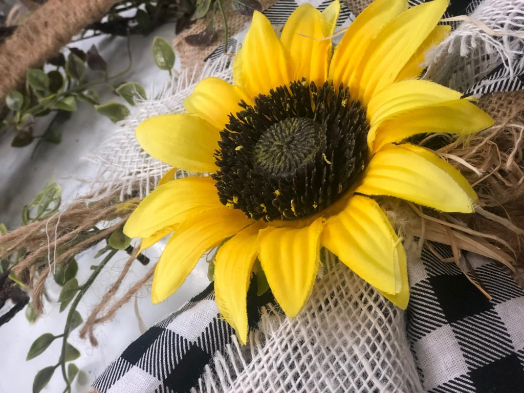 Pretty Fall sunflower wreath idea. Decorate your doors with an Easy Woven Fall wreath. Learn my easy instructions for this swoon-worthy wreath...Make one today!!!!