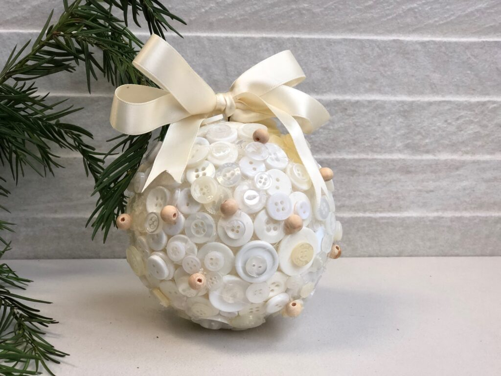 Elegant cute button Christmas tree ornament with easy folded satin bow