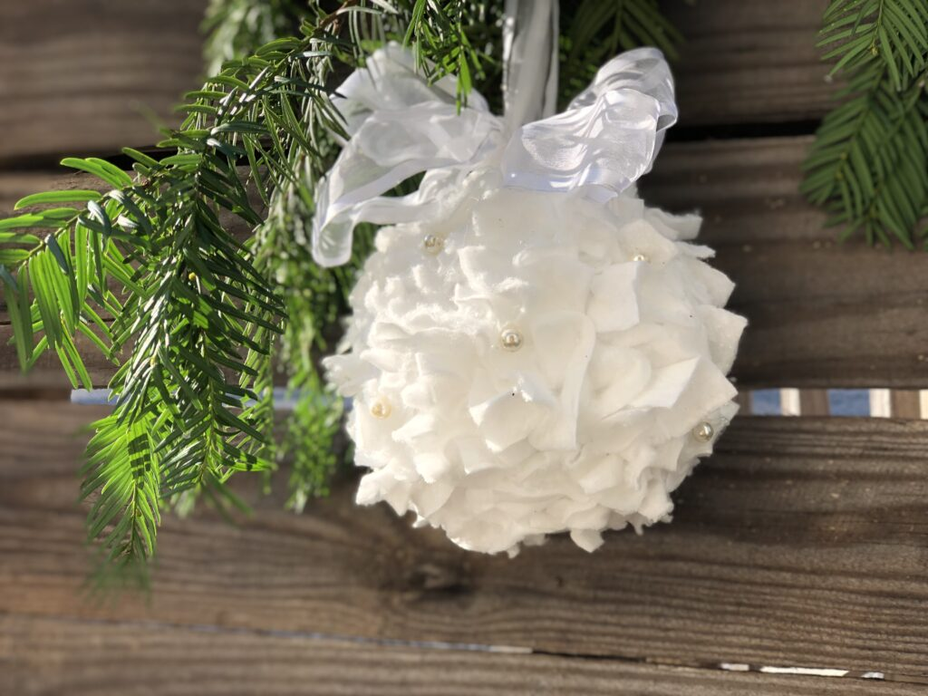 Elegant white Christmas ornament EASY Christmas ornament. Elegant ornament Dollar Tree budget friendly Christmas decor idea DIY. CHRISMTAS DECOR on the budget . Gift idea