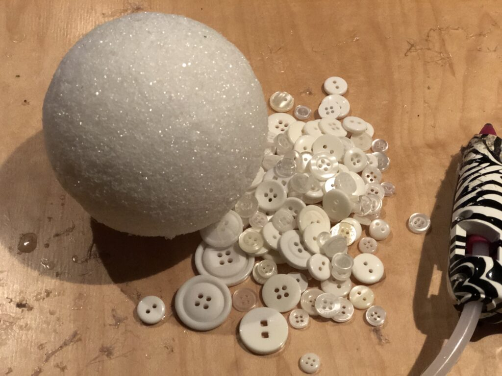 Learn how to make easy Christmas tree ornament .Styrofoam ball button Christmas ornament diy