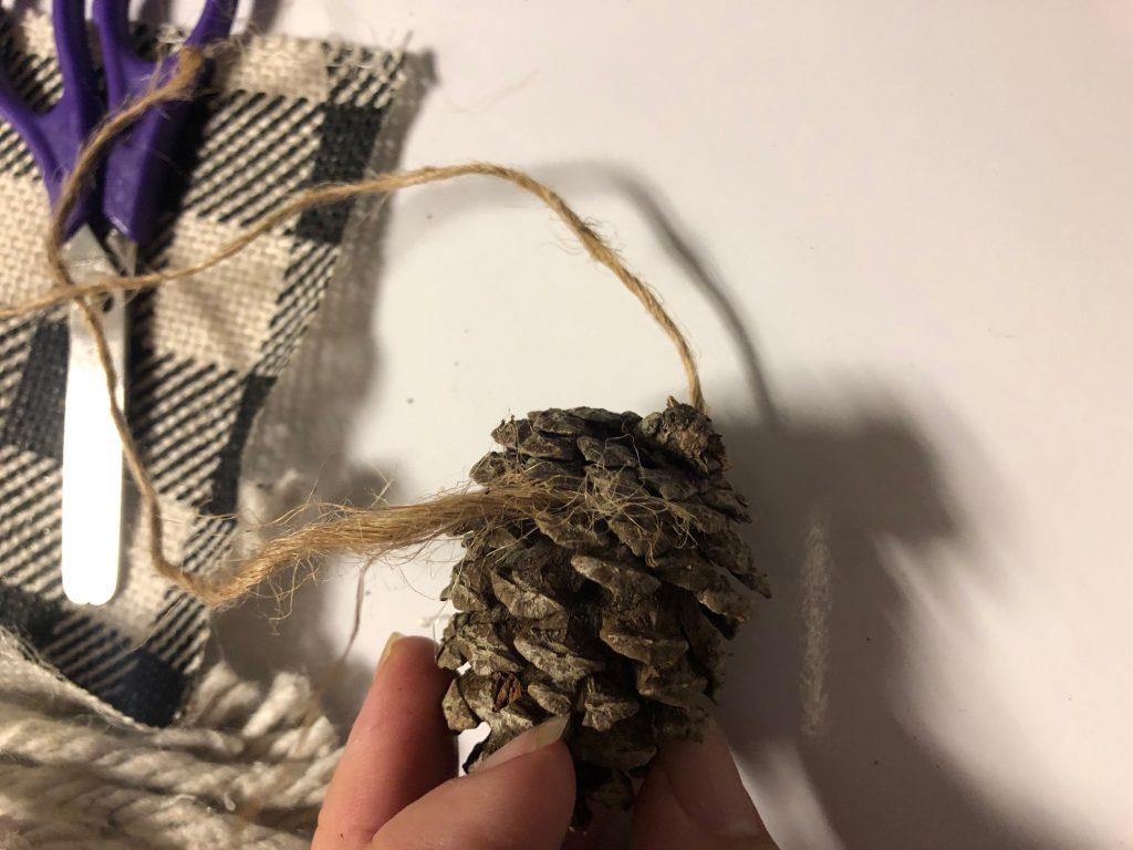 Pine cone gnome diy