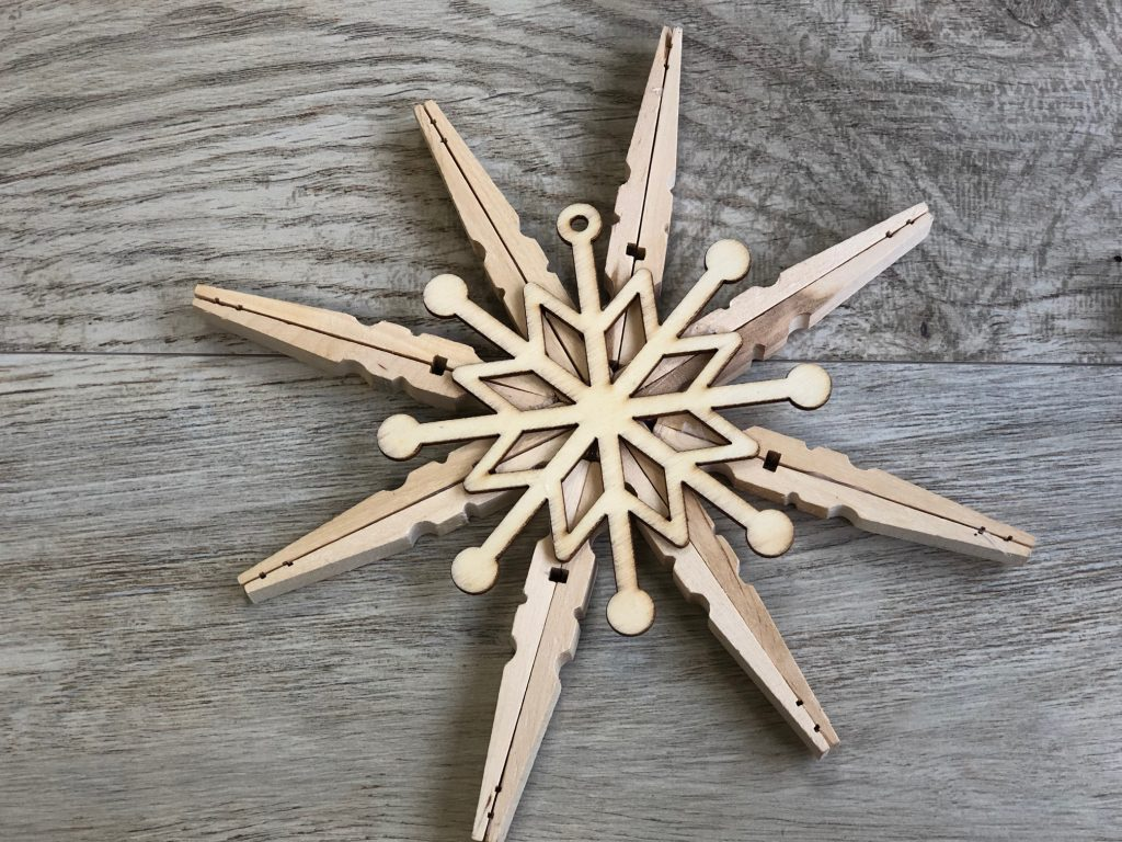 Learn how to make Rustic Stained clothespins star snowflake ornament