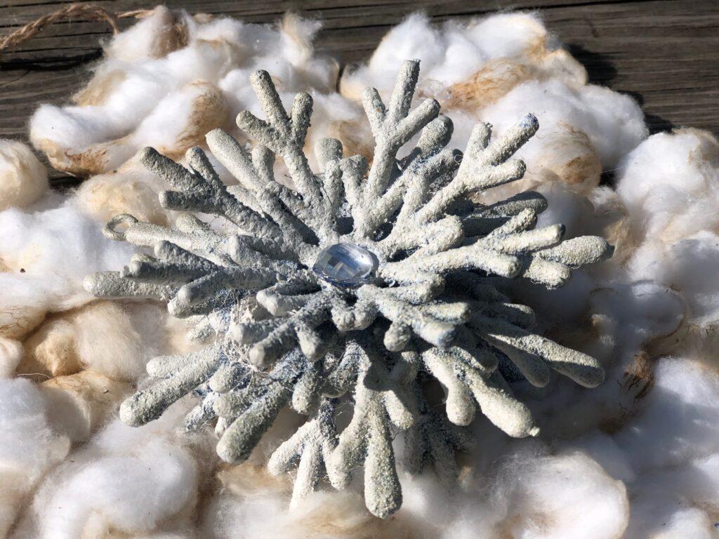 Vintage Star Christmas ornament DIY..Oryginal Vintage Christmas snowflake. White Christmas holiday Dollar Tree snowflake diy. Cotton ball star ornament
