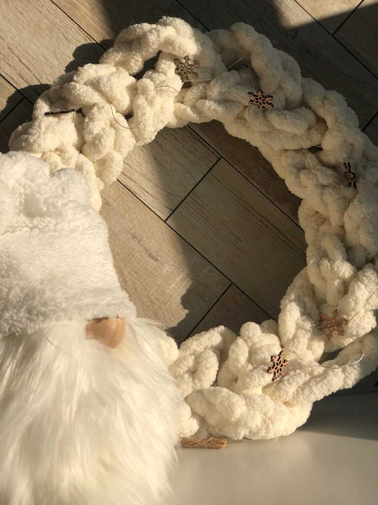 Learn how to make Braided Chunky Yarn White Christmas wreath. Easy simple Folded Bow. Angel Gnome DIY