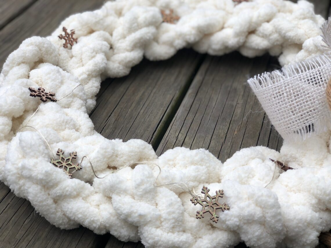 Braided Chunky Yarn White Christmas Wreath Diy Just That Perfect Piece