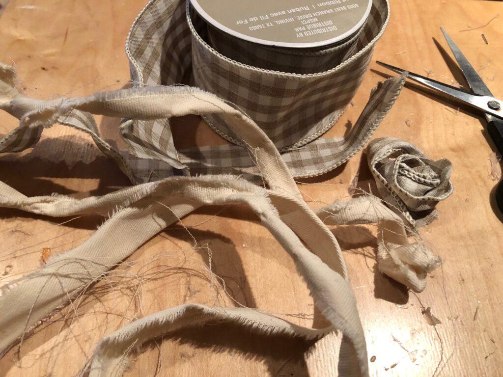 Learn how to make Christmas drop cloth home decor.Easy Christmas DIY